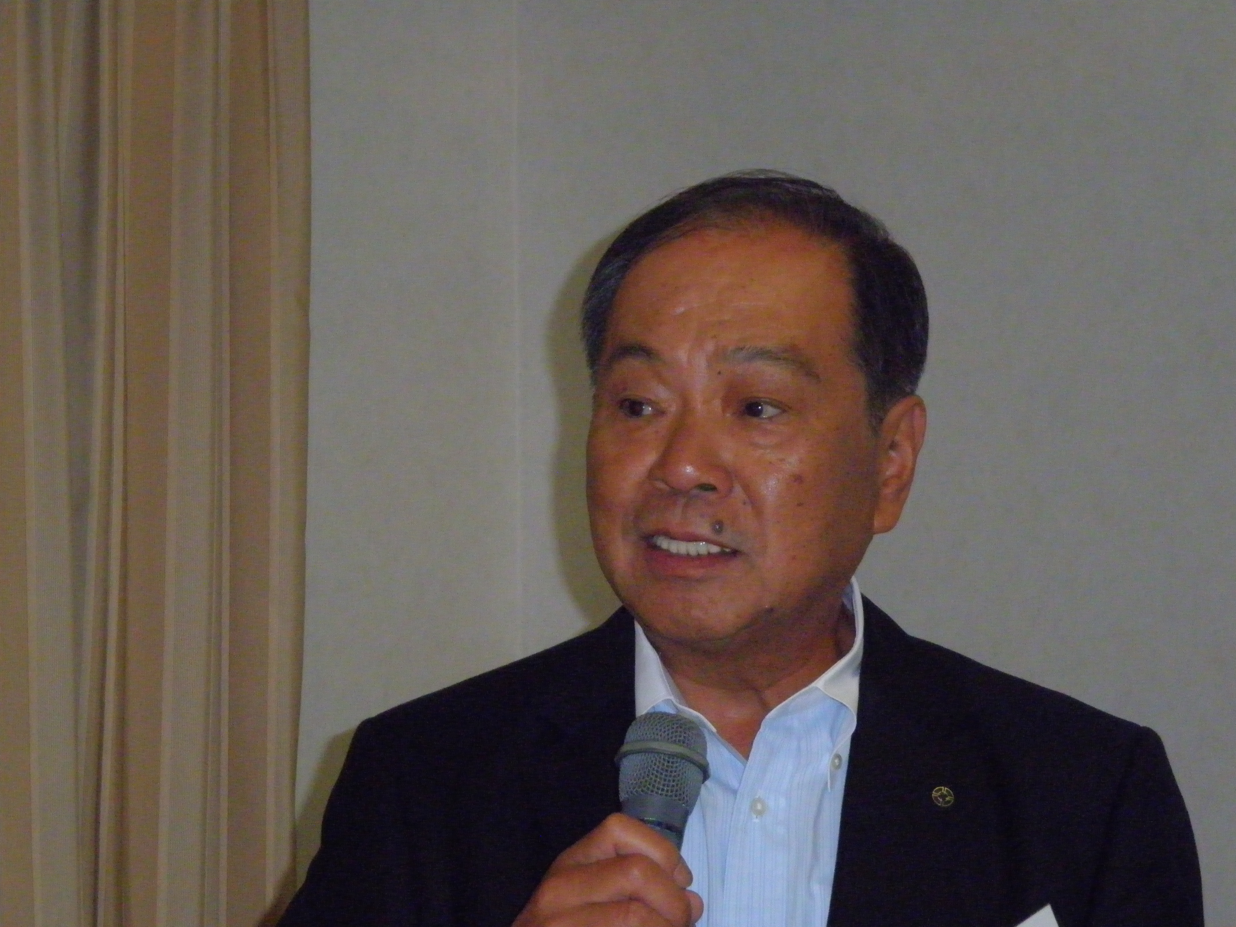 大道良夫滋賀銀行会長.JPG